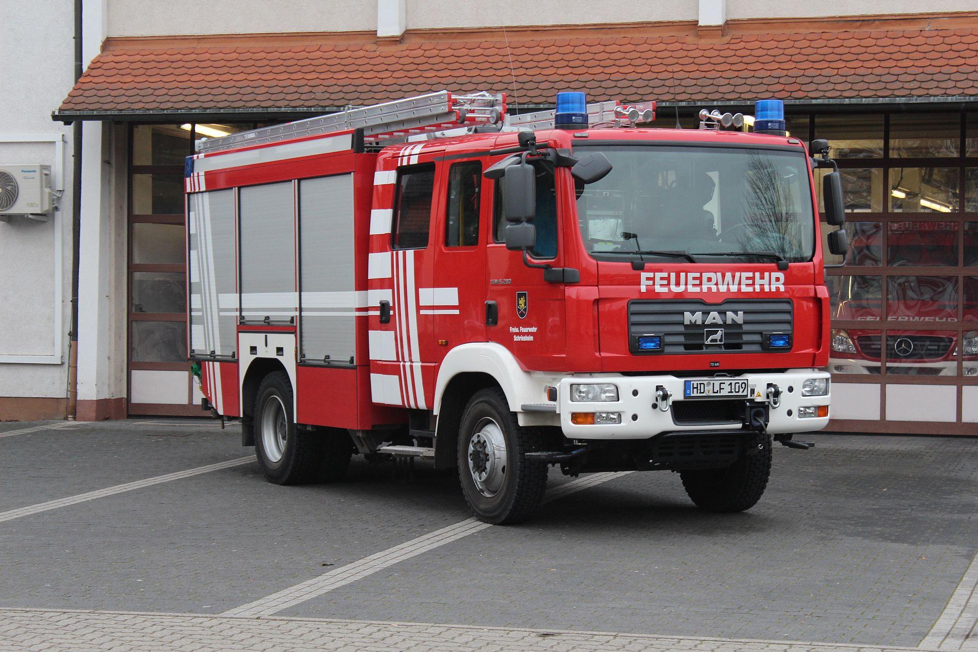 Hilfeleistungslöschfahrzeug HLF 20/20 (Schr 1/46)
